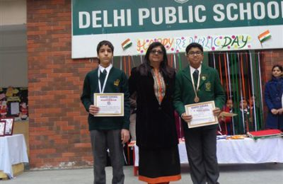 Gurkanwal & Yatin Jindal being honored by Adarsh Gurukul Jalandhar